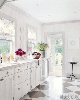 A Charming Hamptons Makeover