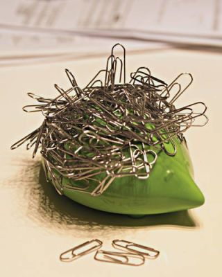 Dozi Magnetic Paper Clip Holder