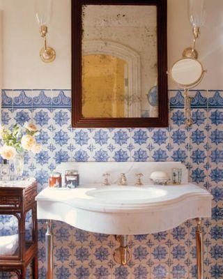 ELLE DECOR's Timeless Rooms: Bathrooms