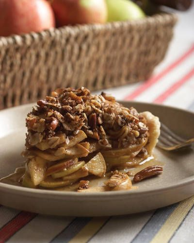 Charlie Cascio's Maple-Pecan Apple Crumb Pie