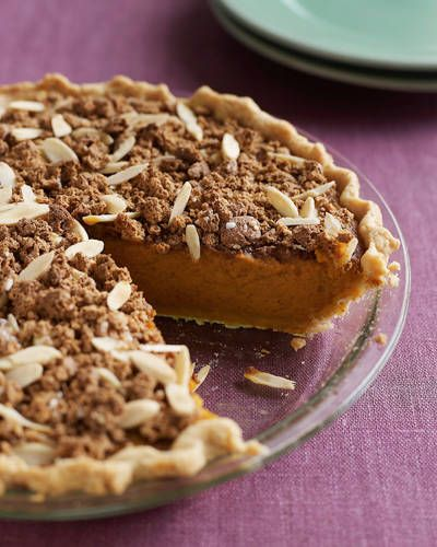 Dede Wilson's Amaretto-Almond Crunch Pumpkin Pie