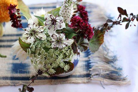 Petal, Branch, Flower, Bouquet, Cut flowers, Flowering plant, Botany, Floristry, Flower Arranging, Twig,
