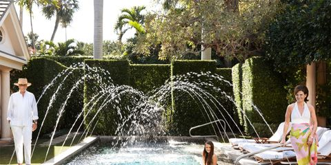 Fluid, Property, Water, Leisure, Town, Water feature, Summer, Real estate, Fountain, Swimwear,