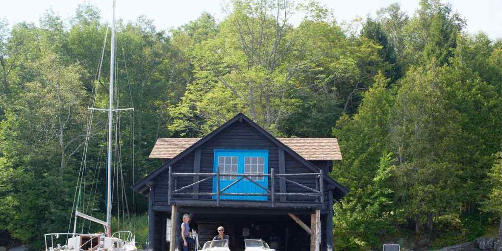 HOUSE TOUR: A Dream Lakehouse