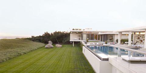 Grass, Property, Swimming pool, Real estate, Villa, Lawn, Resort, Composite material, Yard, Courtyard,
