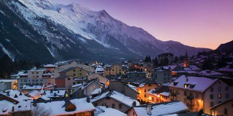 Mountainous landforms, Mountain range, Highland, Winter, Town, House, Neighbourhood, Roof, Home, Residential area,