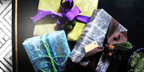 24 christmas gift wrapping ideas how to wrap a holiday present negle Image collections