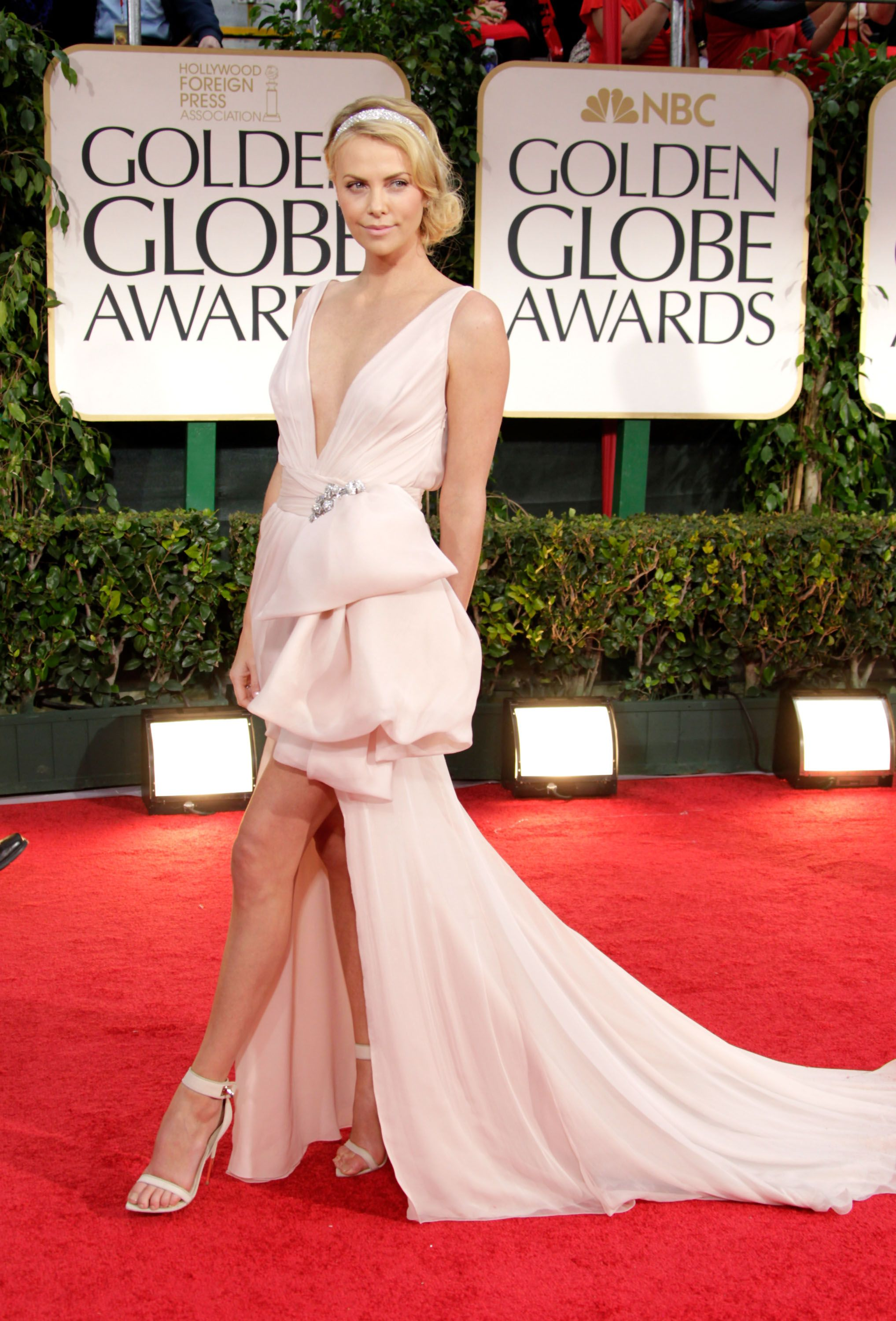The Best Dresses from the Golden Globe Awards of All Time - The Best ...
