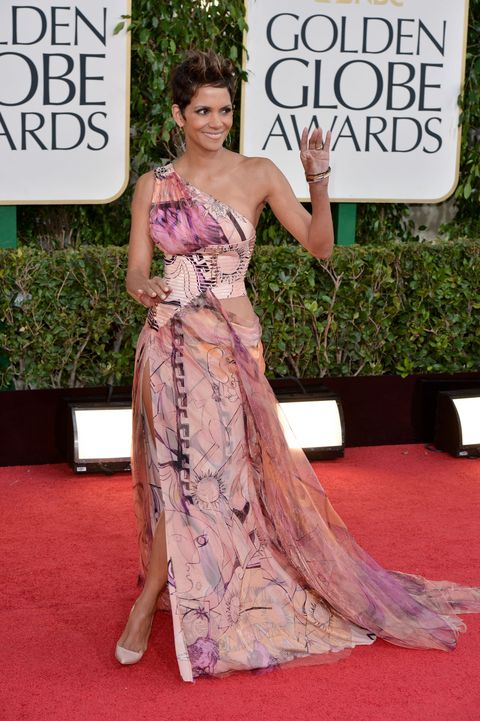 100+ Best Golden Globe Awards Dresses of All Time