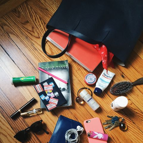 """Phone,&nbsp;Mophie, Wallet, Keys and my Tom Ford concealer pen. I also hadn't read <em>In Cold Blood</em> before, it's amazing!"" #5ThingsInMyBag -&nbsp;<a href=""http://instagram.com/lootin"">@Lootin</a>"