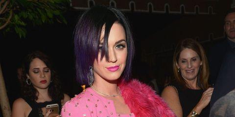 Mouth, Pink, Magenta, Fashion accessory, Fashion, Black hair, Chest, Eyelash, Trunk, Waist,