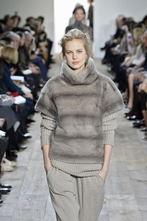 Sleeve, Human body, Fashion show, Shoulder, Joint, Outerwear, Runway, Fashion model, Style, Street fashion,