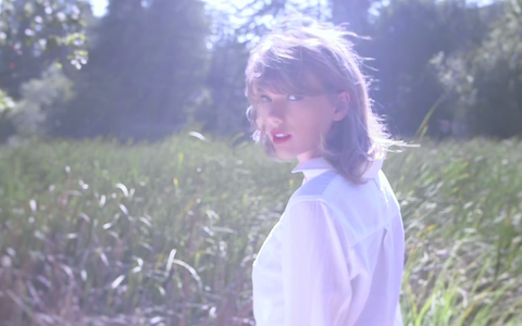 Taylor Swift's 'Style' Music Video: Shirtless Dude, Eerie Reflections, and Artsy Sexiness