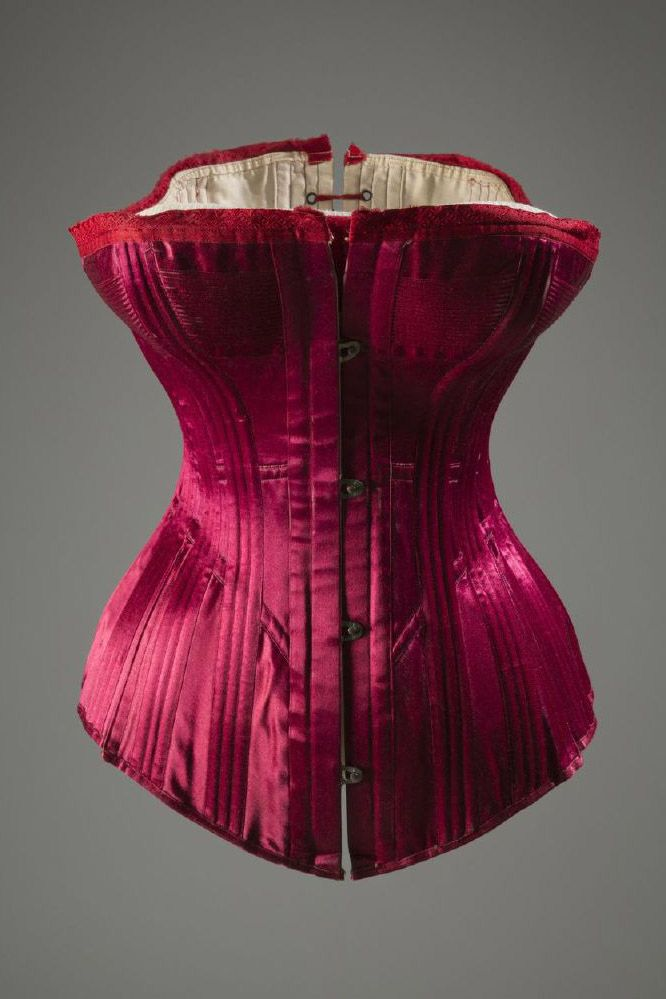 The S-curve corset, made popular in the early twentieth century, pushed the breasts forward and arched the chest back to accentuate the hips. These Victorian corsets were extremely constricting but constructed in beautiful, intricate designs—women with the financial means were encouraged to shop for these undergarments with as much care and thought as they did with their outerwear.<em>Warner Bros. Corset/Silk, Satin, Coraline, ca.1889, USA</em><!--EndFragment--><!--EndFragment-->