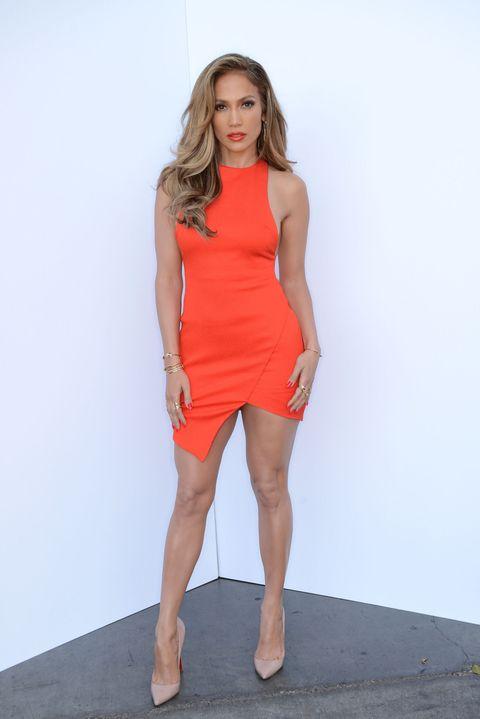 Jennifer Lopez Debuts New Song 'Feel the Light'