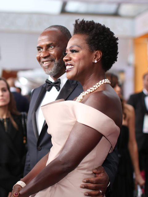HOLLYWOOD, CA - FEBRUARY 22: Actress Viola Davis (R) attends the 87th Annual Academy Awards at Hollywood &amp&#x3B; Highland Center on February 22, 2015 in Hollywood, California.  (Photo by Christopher Polk/Getty Images)