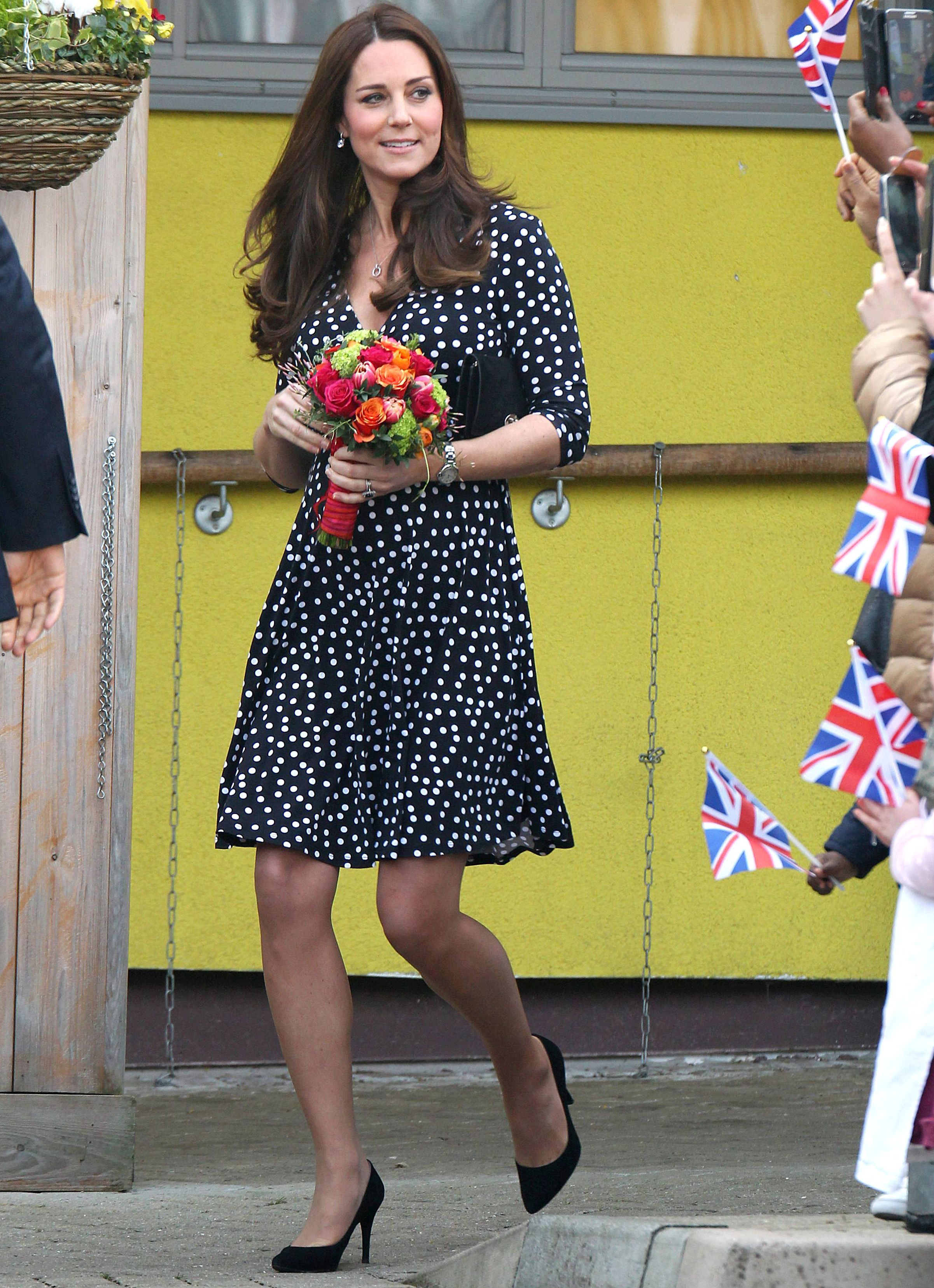 Kate middleton in asos maternity dress kate middleton wore a kate middleton in asos maternity dress kate middleton wore a cheap chic maternity dress today ombrellifo Image collections