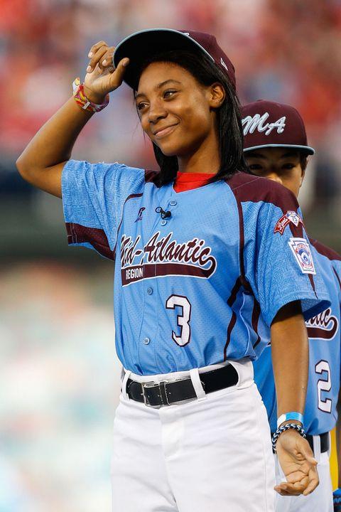 Arm, Sports uniform, Jersey, Sleeve, Trousers, Human body, Sportswear, Baseball uniform, Baseball equipment, Bat-and-ball games,