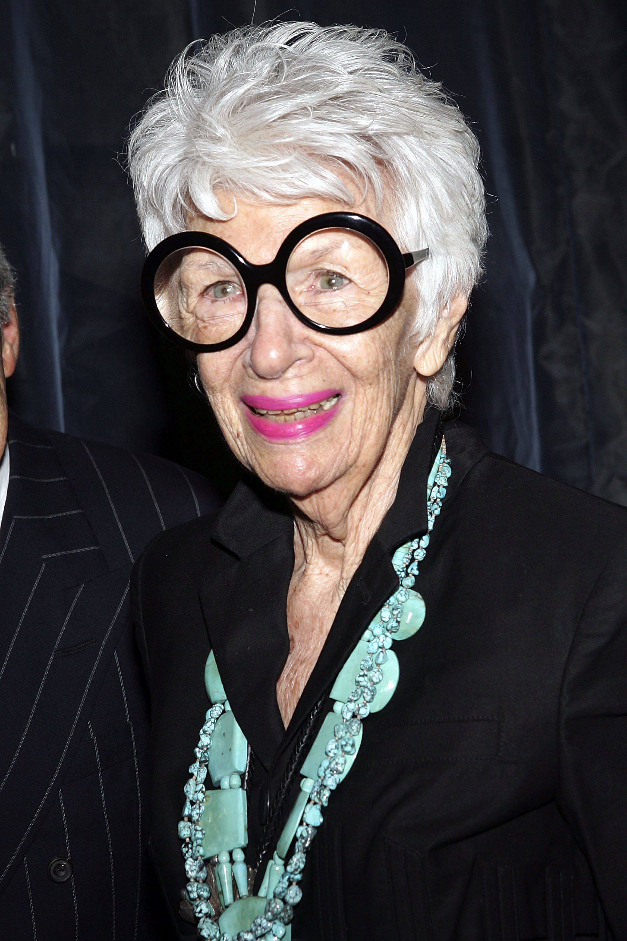 NEW YORK - SEPTEMBER 06: Designer Iris Apfel attends Jean Paul Gaultier's 30th anniversary and boutique opening at Bergdorf Goodman, September 6, 2006 in New York City.  (Photo by Evan Agostini/Getty Images)