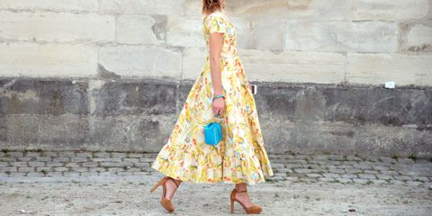 Clothing, Sleeve, Dress, Wall, Street fashion, One-piece garment, Pattern, Day dress, Waist, Stone wall,
