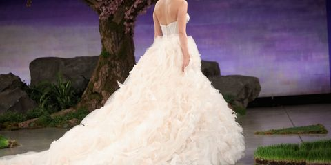 47 Wedding Dresses That Are Gorgeous From The Back