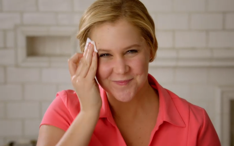 Amy Schumer Just Started a Viral #NoMakeup Campaign With This Hilarious Sketch
