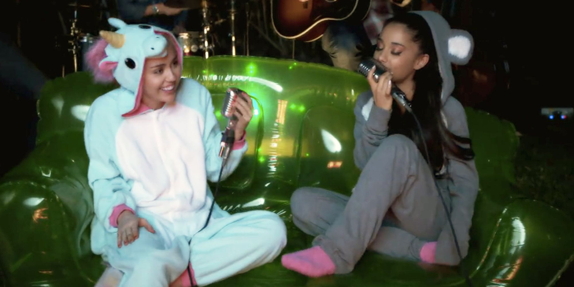 miley cyrus and ariana grande perform
