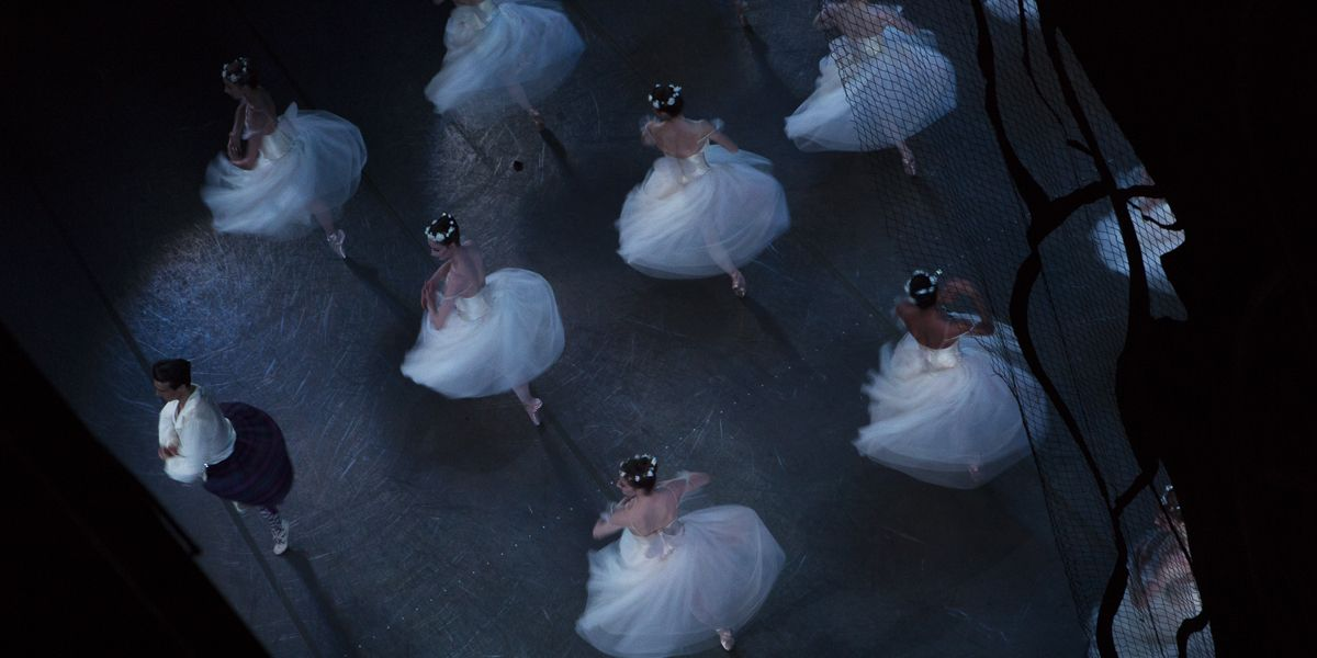 18 Gorgeous Backstage Photos of NYCB Ballerinas