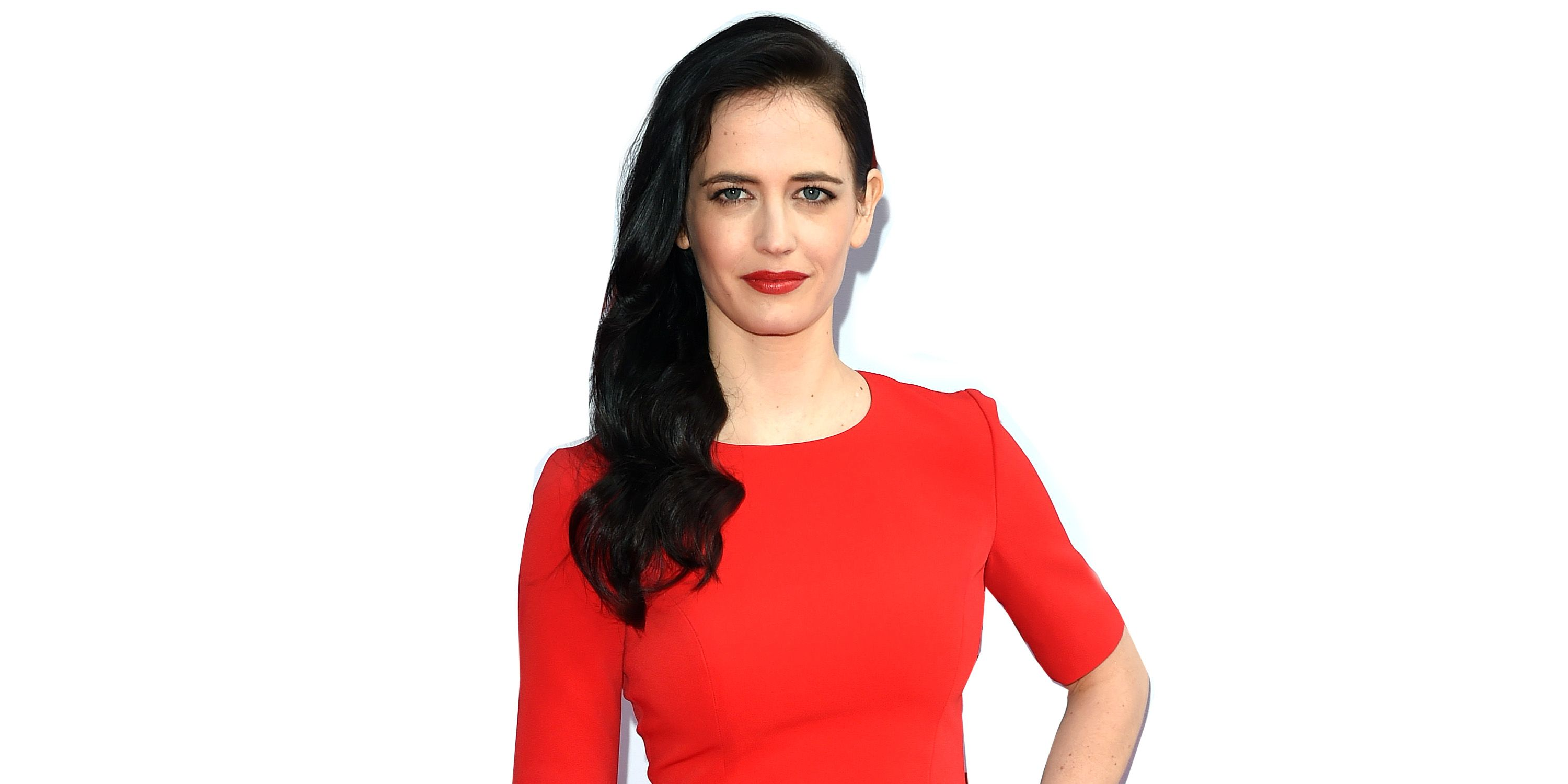 Eva Green On Prepping For Nude Scenes In 300 Juicing And Her Hair 6 Beauty Tips From Eva Green