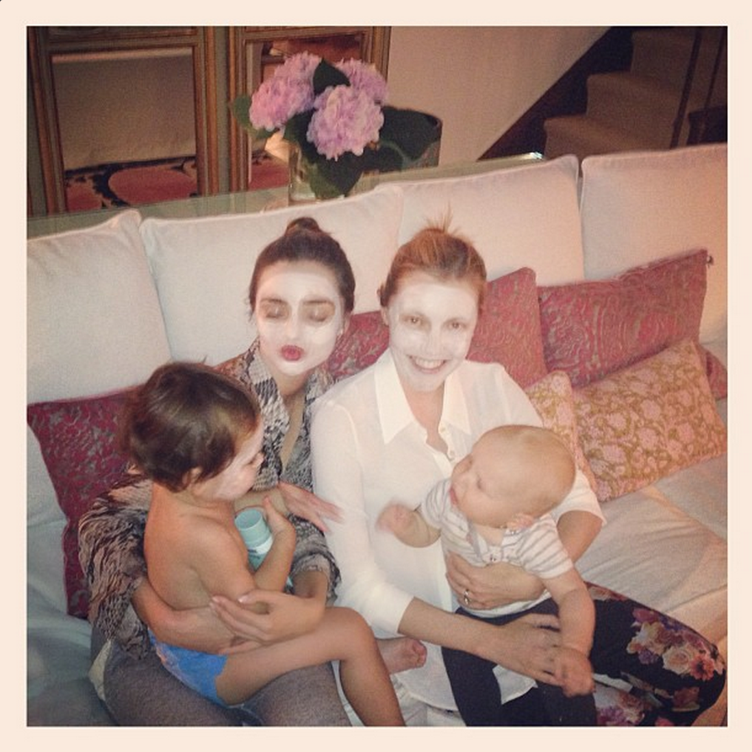 "Mummy mask time with <a href=""https://instagram.com/tammymdickson/"">@tammymdickson</a> ❤  —<a target=""_blank"" href=""https://instagram.com/p/eOWDYeEMFC/?taken-by=mirandakerr"">@mirandakerr</a>"