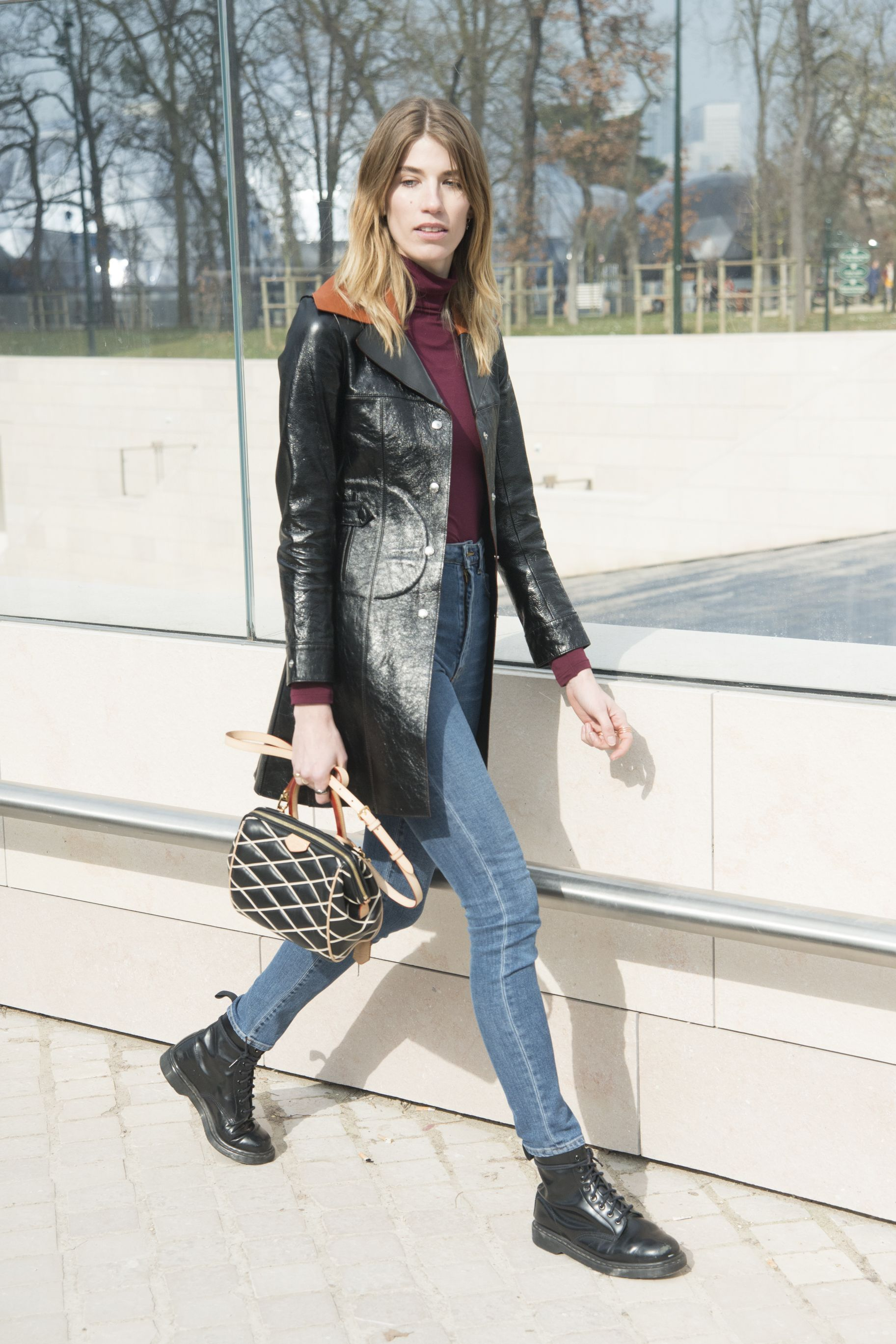 4e104971929a New Ways to Wear Jeans and a T-Shirt-10 Pieces That Will Spice Up ...
