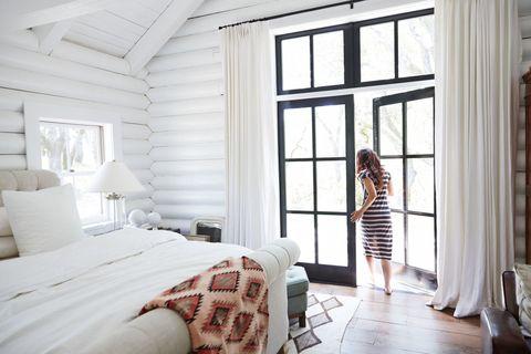 Bed, Interior design, Room, Bedding, Textile, Bedroom, Bed sheet, Linens, Dress, Wall,