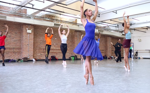 Entertainment, Performing arts, Dress, Dancer, Performance, Choreography, Performance art, Dance, Ballet shoe, Waist,