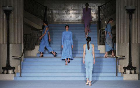 Leg, Human body, Standing, Denim, Street fashion, Stairs, Fashion, Animation, Digital compositing, Fashion design,
