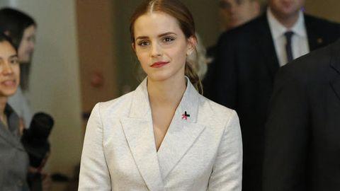 Clothing, Coat, Collar, Outerwear, Suit, Formal wear, Dress shirt, Tie, Blazer, White-collar worker,