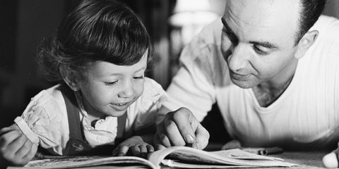 Head, Sitting, Child, T-shirt, Monochrome, Toddler, Monochrome photography, Black-and-white, Flash photography, Snapshot,