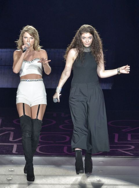 See Taylor Swift Duet With Lorde, Get Stuck on Stage in Malfunction During Latest Concert