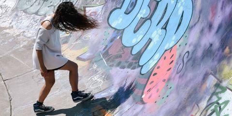Graffiti, Shorts, Art, Paint, Cool, Artwork, Street art, Street fashion, Art paint, Calf,