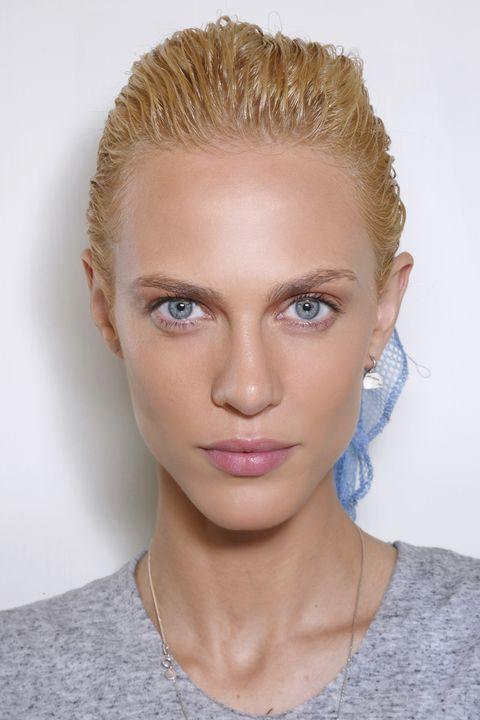 <p>At Balmain, hair stylist Sam McKnight sent girls down the runway with soaking wet après-swim hair. </p>
