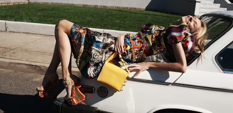 Human leg, Fashion accessory, Bag, Style, Summer, Street fashion, Fashion, Luggage and bags, Thigh, Vehicle door,