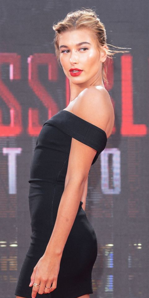 "<p><strong>Seen at: </strong>The <em>Mission: Impossible—</em><span class=""redactor-invisible-space""><em>Rogue Nation</em> premiere in New York City on 7/27/15</span></p><p><span class=""redactor-invisible-space""><strong>What: </strong>An easy hair-up look<span class=""redactor-invisible-space""> can still be hot as hell<em>—</em>especially when it's hot as hell outside.<br></span></span></p><p><span class=""redactor-invisible-space""><span class=""redactor-invisible-space""><strong><strong>Get the look:</strong> </strong><span class=""redactor-invisible-space"">The trick to keeping the look sultry, not sloppy? Rake hair back with your fingers, not a brush, for sexy imperfection.<br></span></span></span></p>"