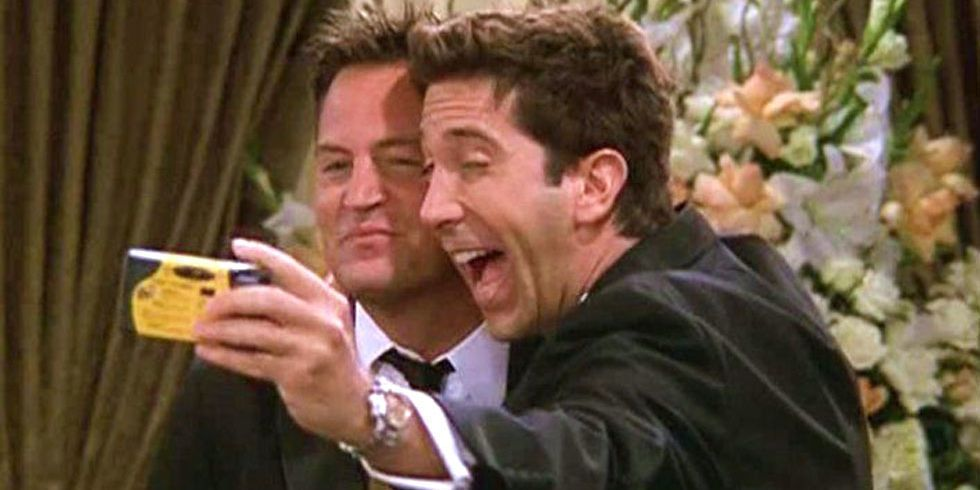 17 Things in 'Friends' That Aren't Even a Thing Anymore