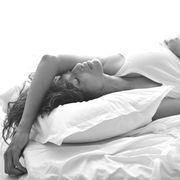 Comfort, Shoulder, Elbow, Beauty, Model, Knee, Photography, Photo shoot, Flash photography, Linens,