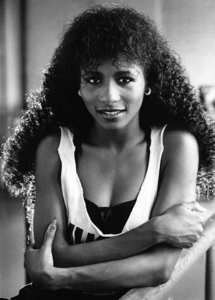 <p>For wet-looking ringlets like Sinitta's, work a handful of mousse through just-washed hair before blasting with a diffuser. </p>