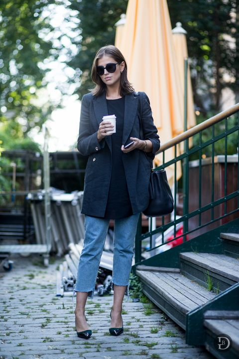 <p>Layer a longline blazer over a tunic of a similar length. Toss on a pair of cropped jeans and heels to complete the casual office-appropriate outfit. </p><p><br></p>