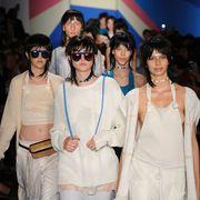 Eyewear, Chest, Sunglasses, Fashion accessory, Goggles, Fashion, Youth, Trunk, Waist, Necklace,