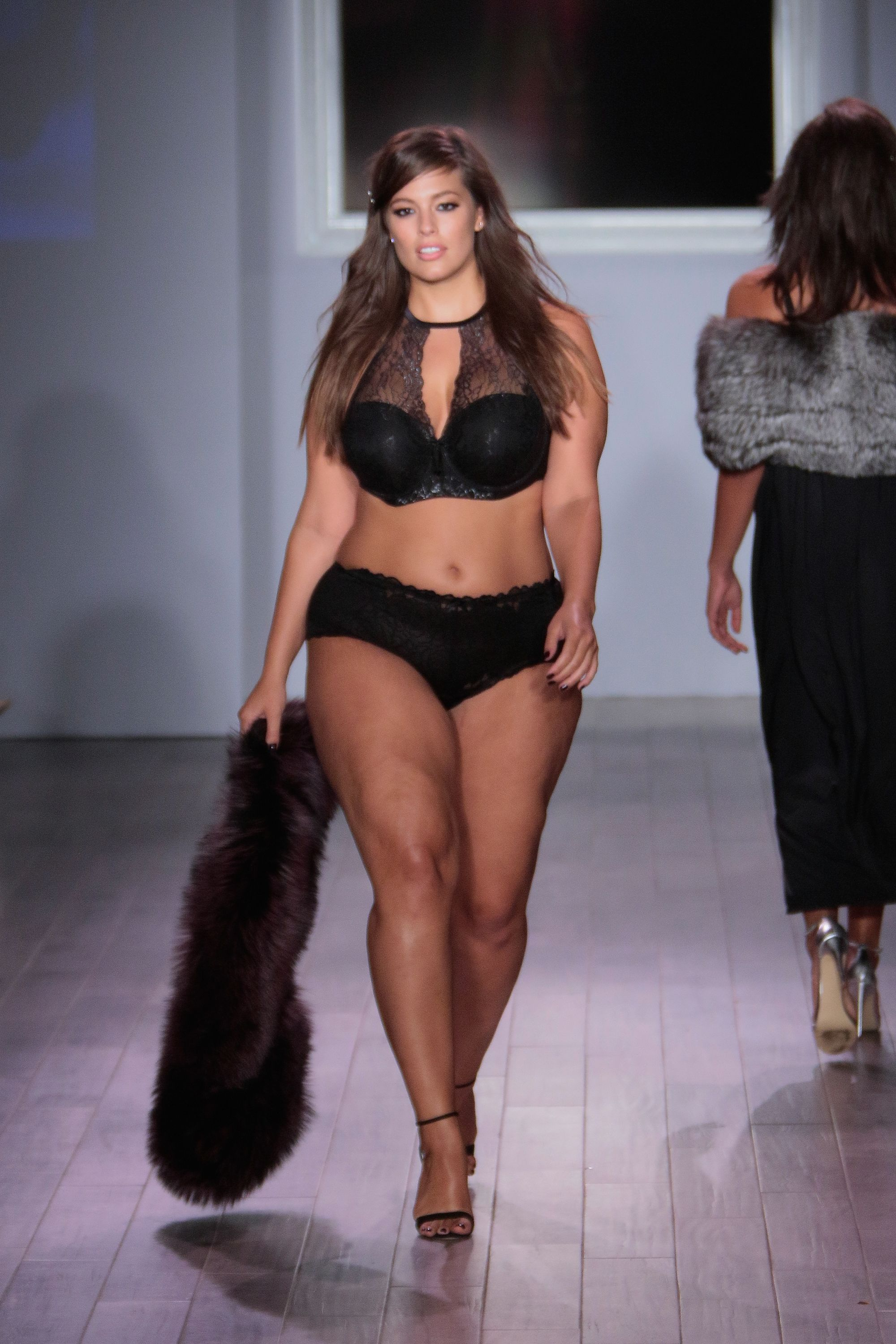 Ashley Graham Plus-Size Model Interview on Addition Elle ...