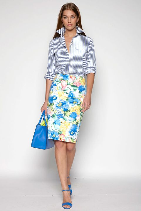 Clothing, Blue, Sleeve, Collar, Shoulder, Textile, Joint, Style, Knee, Bag,