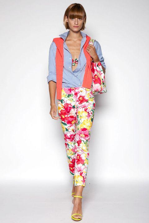 Textile, Joint, Style, Pattern, Jewellery, Street fashion, Fashion, Orange, Neck, Necklace,