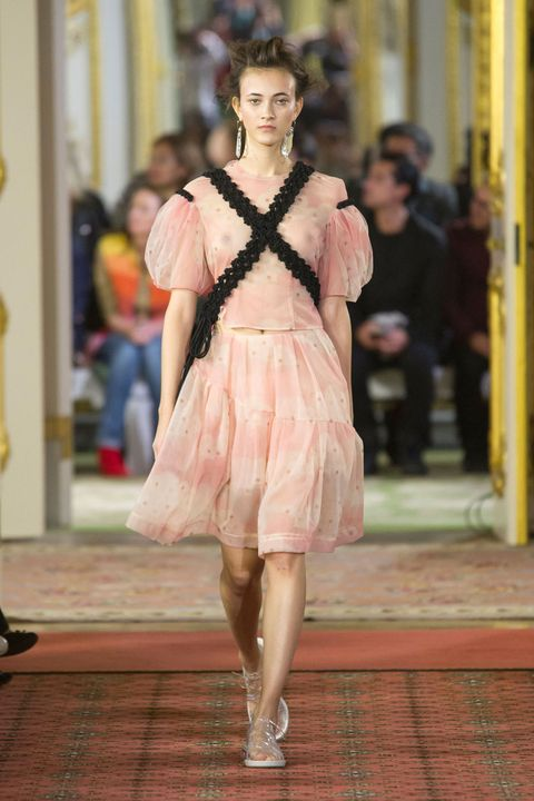 Human, Shoulder, Dress, Street fashion, Fashion, Fashion model, Waist, Fashion show, One-piece garment, Model,